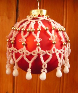 Created from Size 30 Flora and embellished with white seed beads and white drop beads